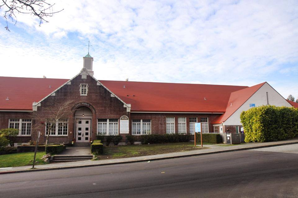 photo of the front of the Fauntleroy Schoolhouse